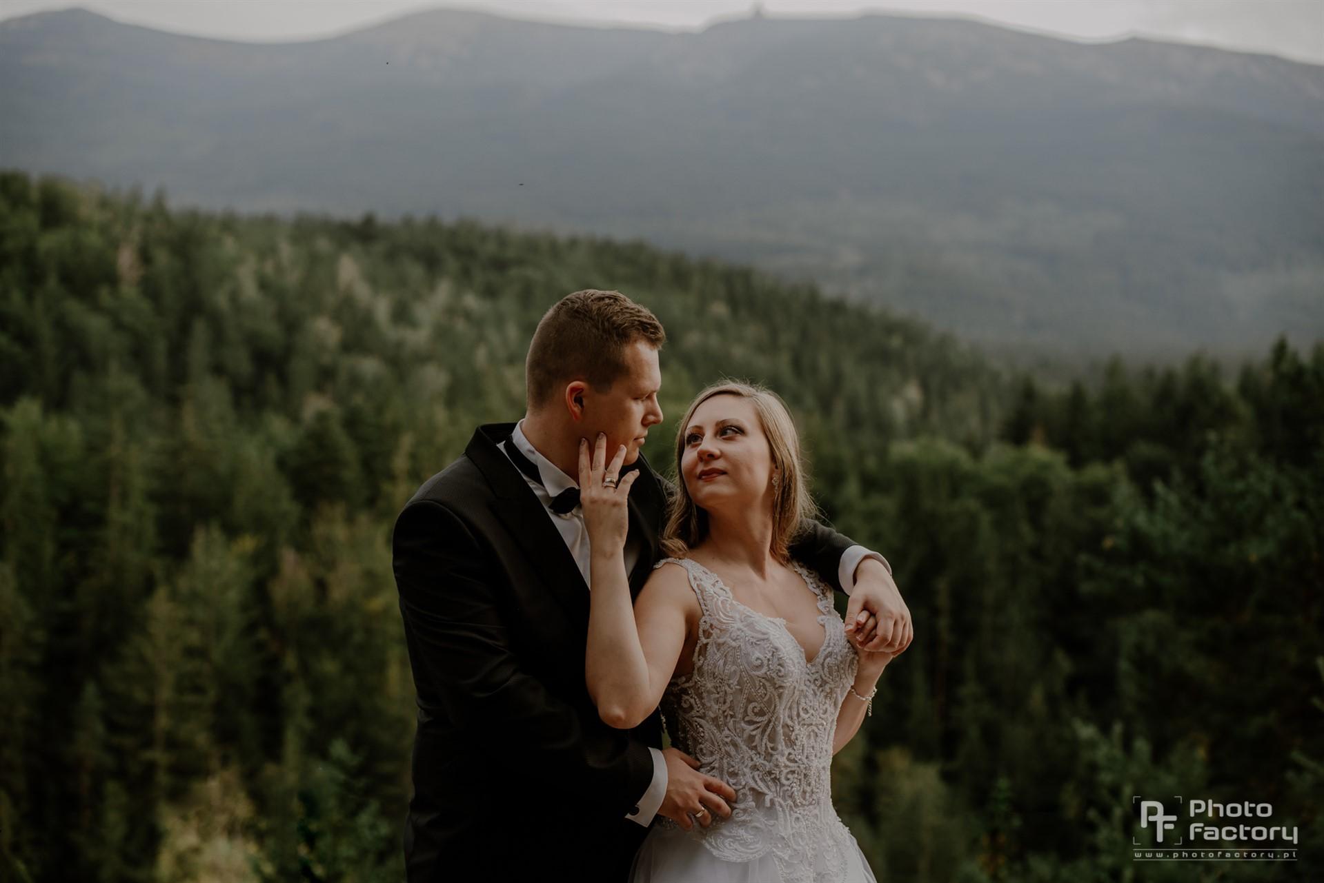 Plenerowa sesja ślubna w górach Agnieszki i Radosława